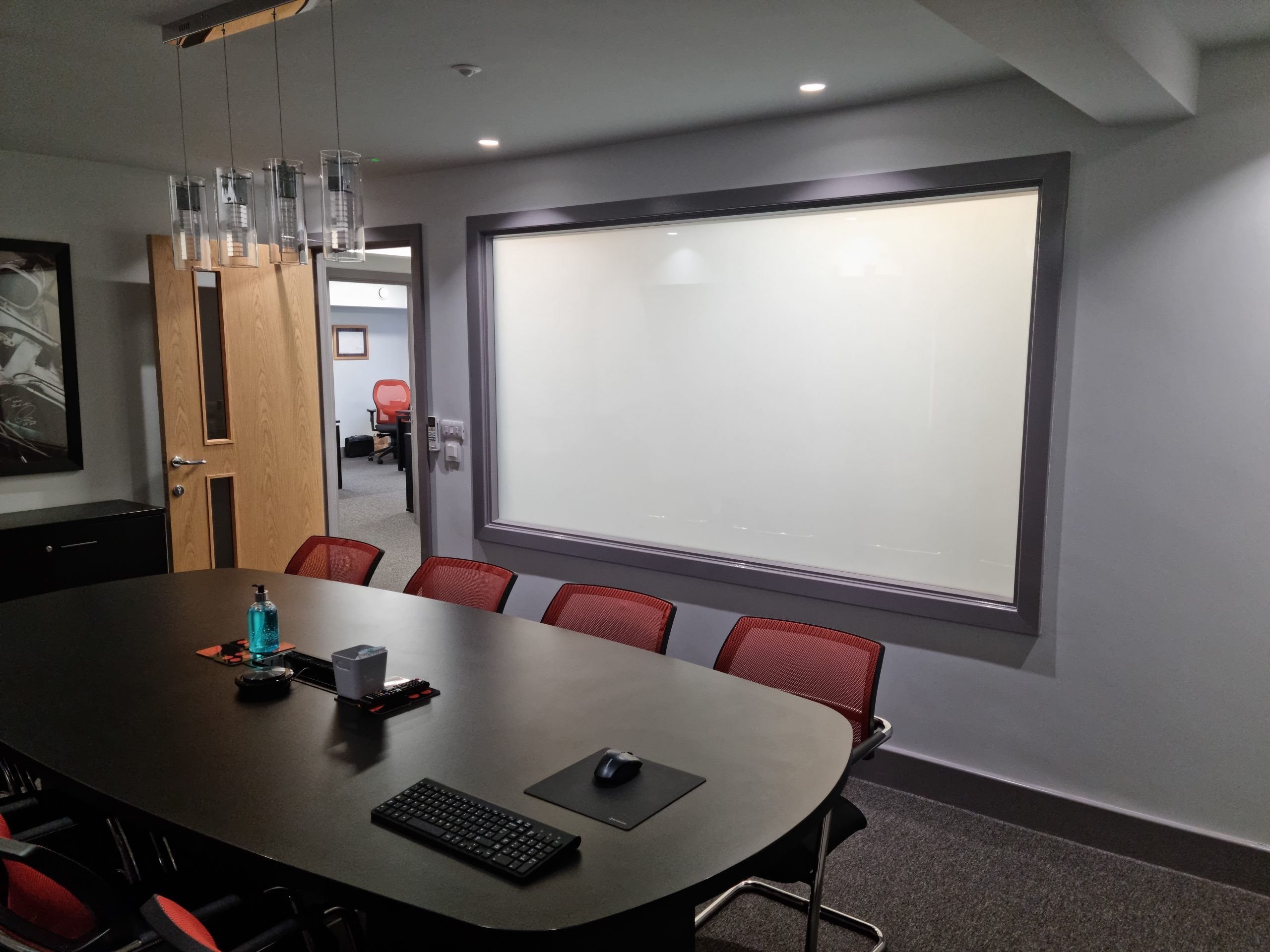 privacy glass in meeting room
